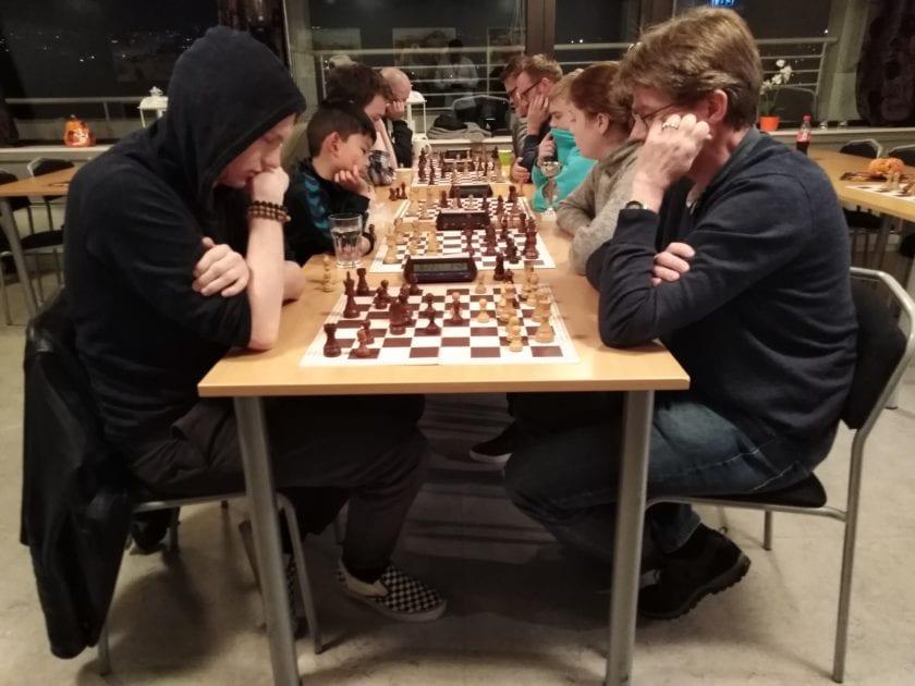 Hell Sjakklubb - spillerutvikling og klubbsjakk.