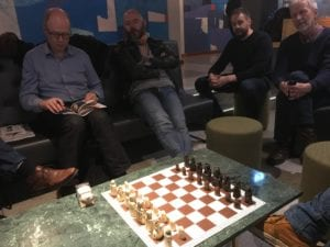 Hnefatafl og Lewis Chessmen - hnefatafle og lewis-brikkene