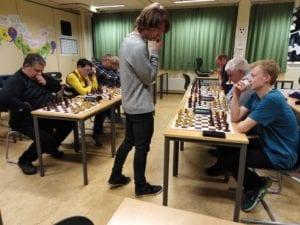 Lær sjakk - bli bedre i sjakk - Hell Sjakklubb