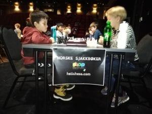 Sjakk i Trondheim - barnesjakkturnering i Olavshallen.