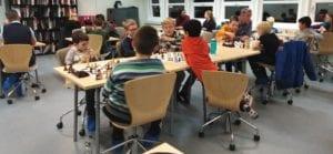 Lær sjakk sammen med andre på ditt nivå! Spillerutvikling på Tirsdagsakademiet i Trondheim.
