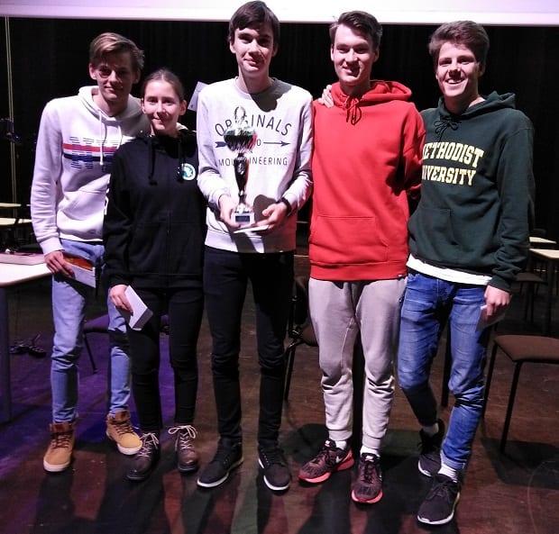 De fem elevene som representerte vinnerlaget fra KVT