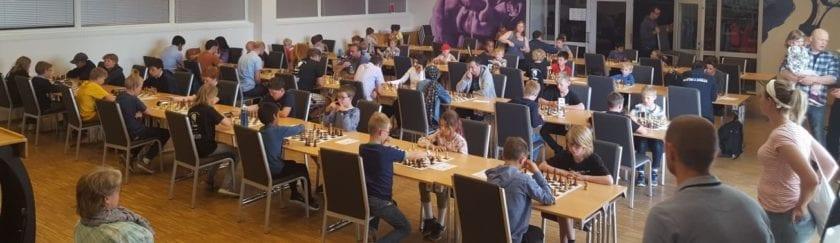 Sjakkturnering for barn, ungdom og voksne amatører.